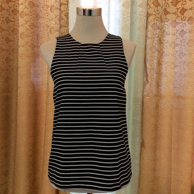 PRELOVED  black and white sleeveless