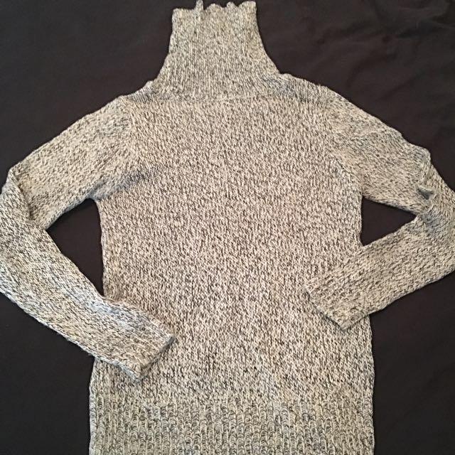 Salt & Pepper knit turtleneck