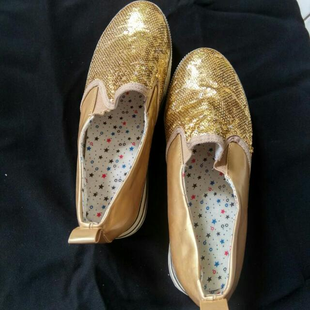 Sepatu Zara Look Alike