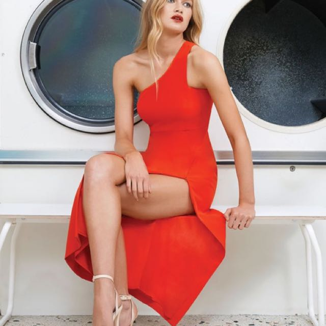 Size 10 Kendall red dress