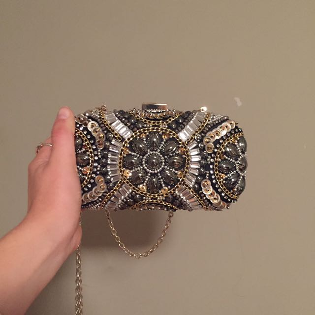SUPER CUTE CLUTCH