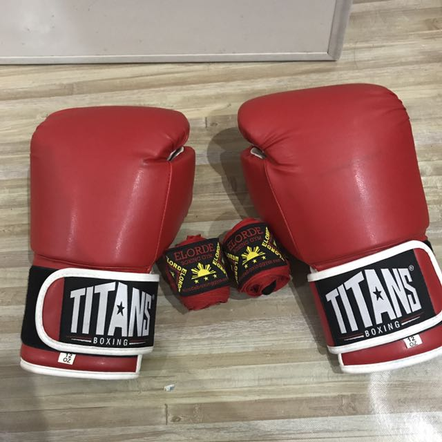 Titans Boxing Gloves with Handwrap