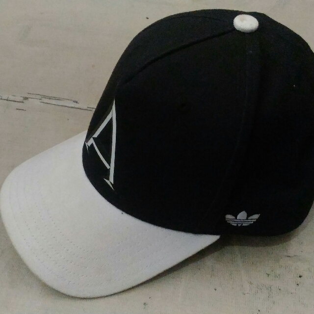 Topi Adidas Originals
