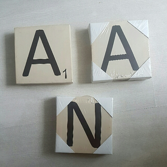 Typo Scrabble Letter Display