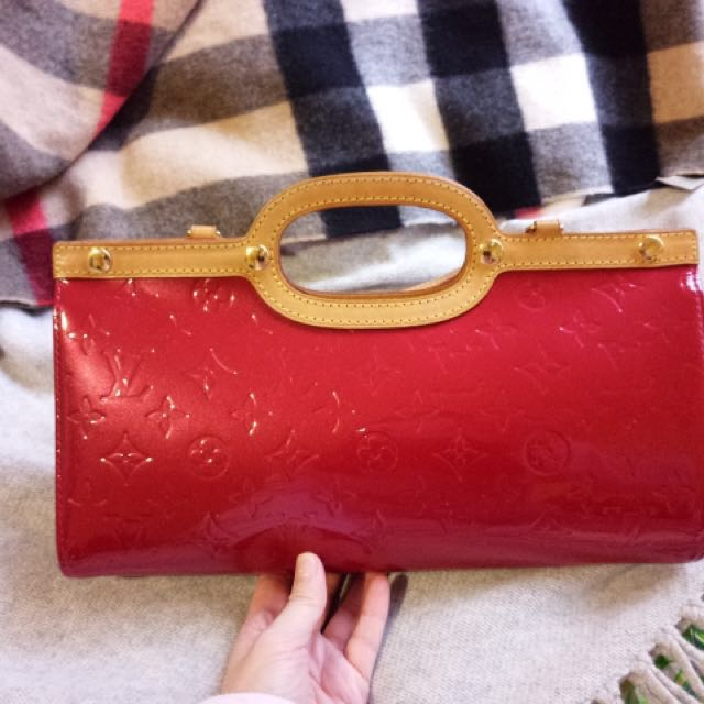 Very Good Condition Authentic LV Patent Leather Bag