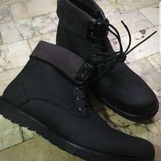 milanos black boots 10 u.s.