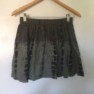 Patterned Skirt Small Size