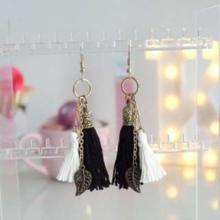 Tassel Earrings FRANCISCA in Black