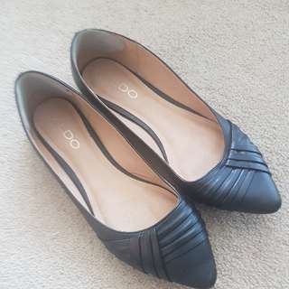 Aldo Flats - Like New Size 6