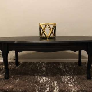 ELEGANT BLACK COFFEE TABLE