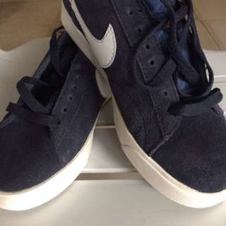 Nike suade authentic