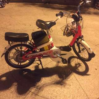 Giant electric bike condition battery 85% ok,good condition