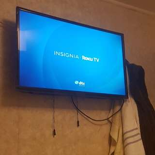 Insignia Roku Smart Led TV 32'