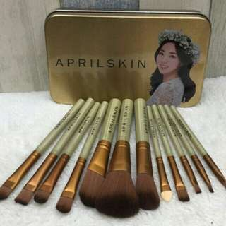 On-hand Aprilskin 12pcs make-up brush set