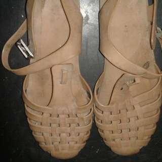 Sepatu Jely