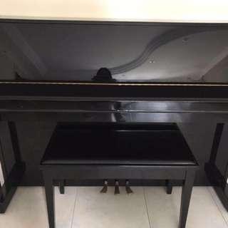 Yamaha piano m108t