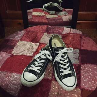 Converse original black and white low tops