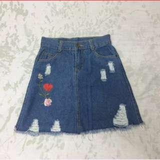 New! Denim tattered skirt