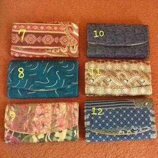 Dompet Batik Besar Kaca
