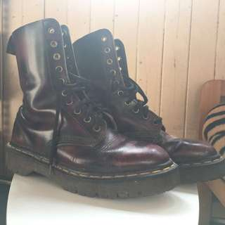 Dr Marten cherry red and black rub