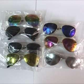 男女通用太陽眼鏡全部共300