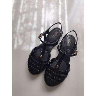 Melissa Aranha Sandals Size 6(USA)