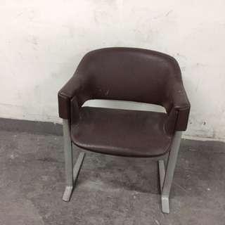 80/90年代英國製人做皮鑄鋁會客椅(皮質似熱狗巴士椅)