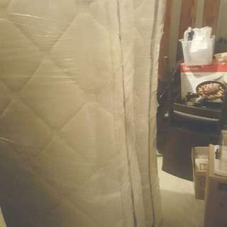 3 Queen size mattress