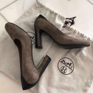 Hermes Pumps in Etoupe and Black Leather sz38