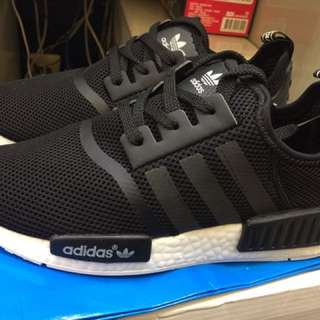 adidas 愛迪達 NMD 女款黑色運動鞋