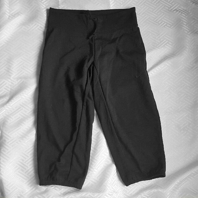 💯Authentic Nike Capri Pants