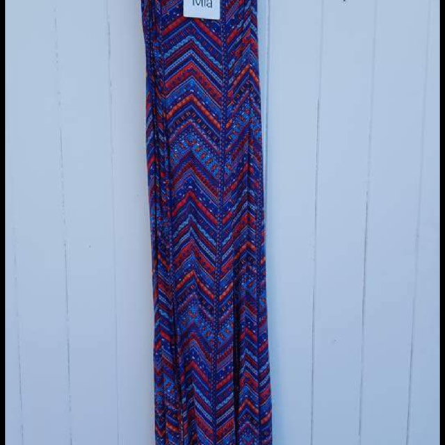 Beautiful maxi dress - size 6
