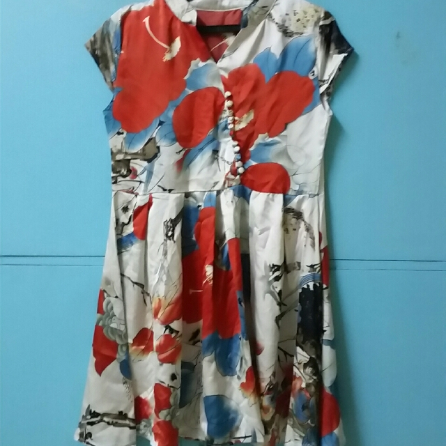 Chiffon dress with prints (repriced to 100)