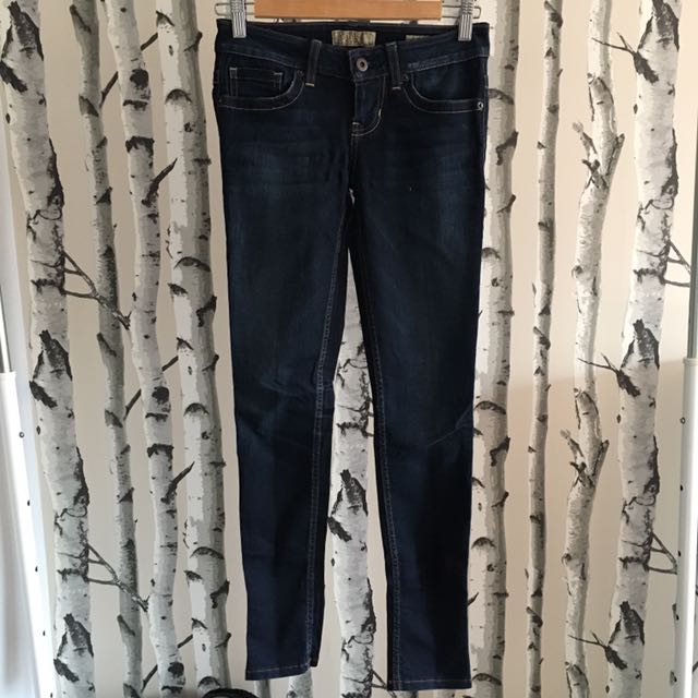 Guess Skinny low-rise Jeans (24)