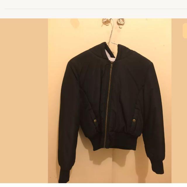 Hooded puffy bomber jacket - size s