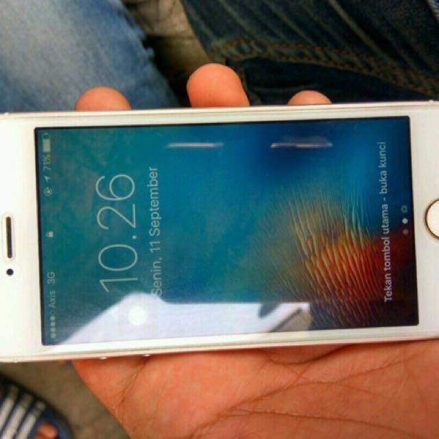 Jual Iphone 5S 32GB Gold 4e6e185fcb