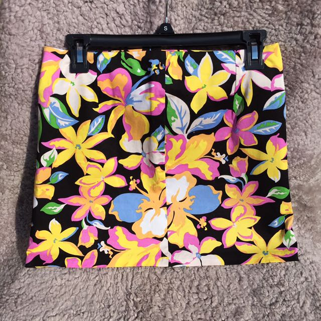 NANA Skirt with colourful flowers