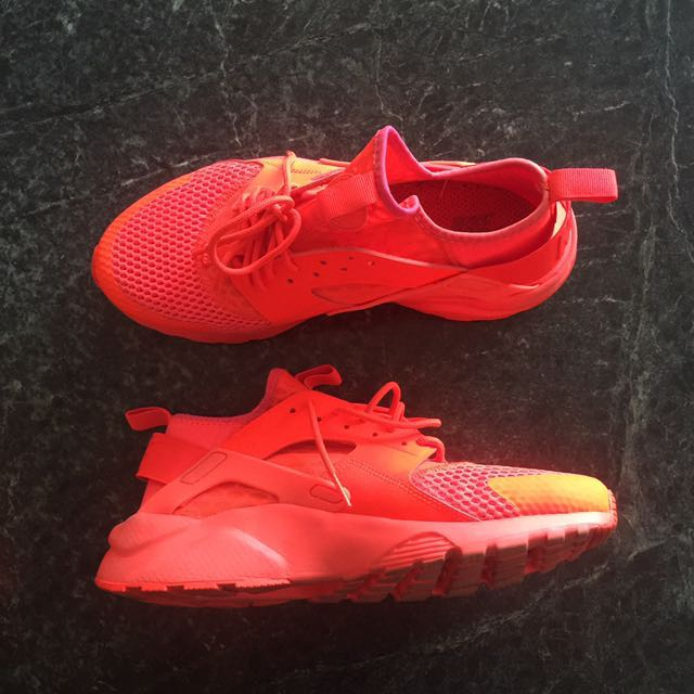 pretty nice 173b1 a108b Nike Huarache Triple Red