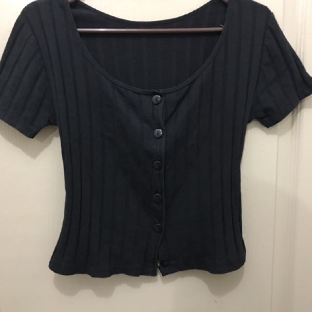 No brand ribbed top (semi cropped top)