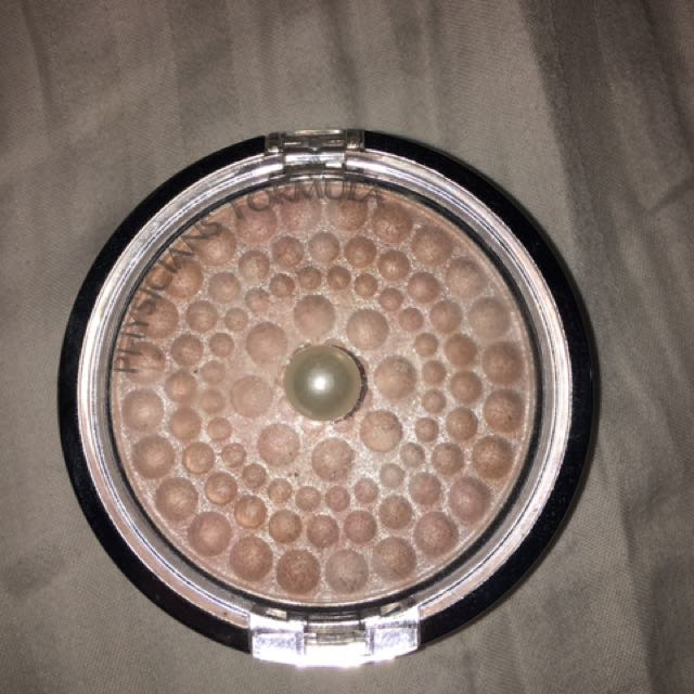Physicians Formula highlighter in Translucent Pearl