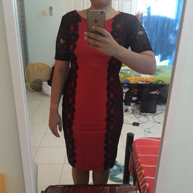 Red Dress , Gaun Merah Hitam