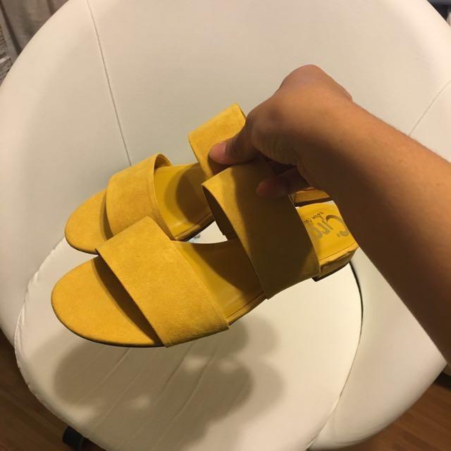 Sam Edelman Slides/Sandals Size 6
