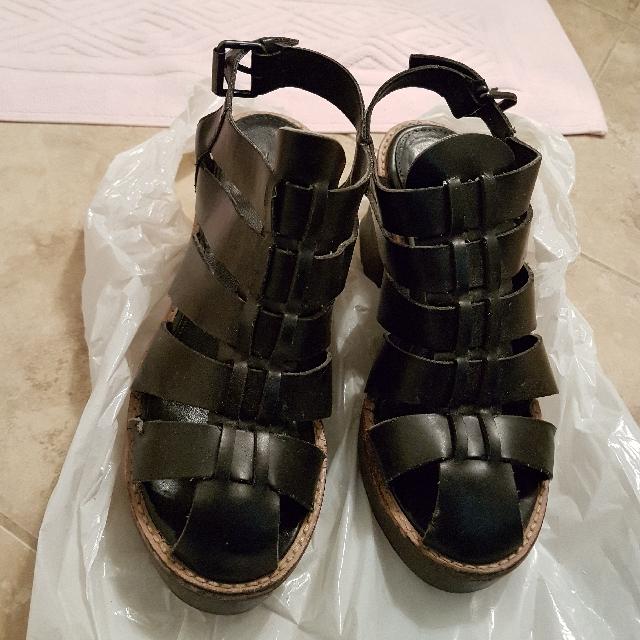 Sara sandal