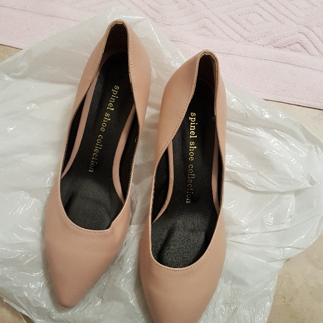 shoes 4cm heel brand new
