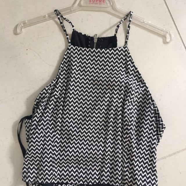 Size 8 black and white crop