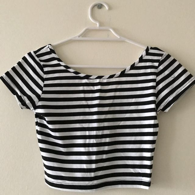 SUPRE B/W Cropped T-shirt