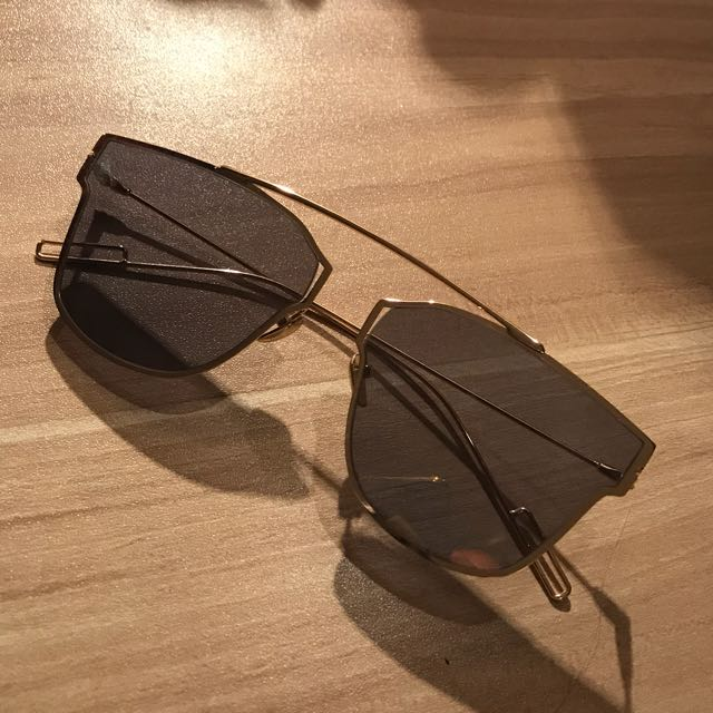 Thin Gold Sunglasses