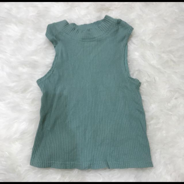 Turtle Neck Top In Green