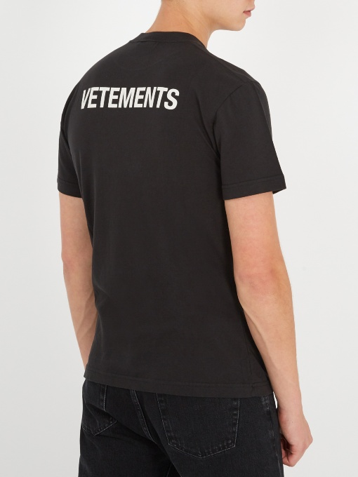 240 vetements staff tee black s men 39 s fashion for Vetements basic staff t shirt