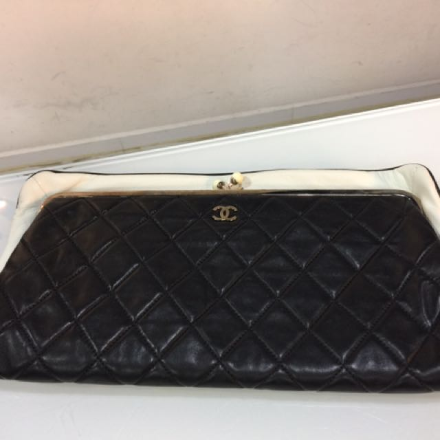 95bf614fc212 Vintage Chanel Clutch bag